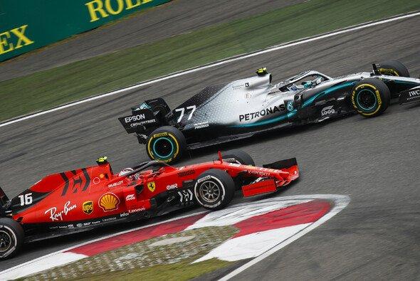 Ross Brawn sieht Ferrari weiter als ebenbürtigen Gegner für Mercedes - Foto: LAT Images