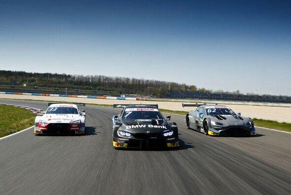 Audi sichert sich auch am Mittwoch die Bestzeit beim DTM-Test in der Lausitz - Foto: Hoch Zwei