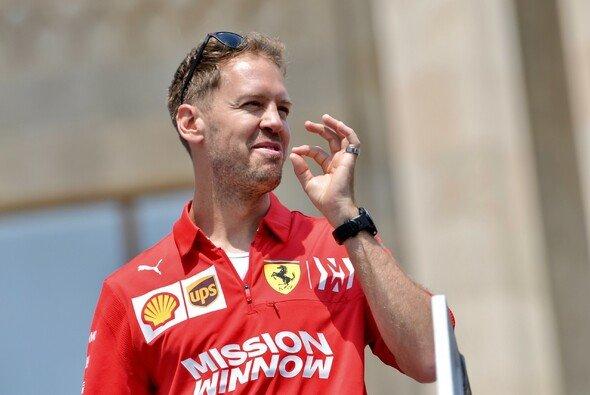 Sebastian Vettel hat seine Zuversicht noch längst nicht verloren - Foto: LAT Images