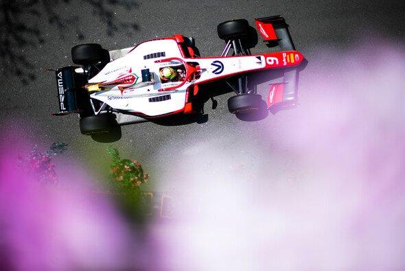 Mick Schumacher qualifizierte sich in Baku als bester Rookie der Formel 2 - Foto: LAT Images