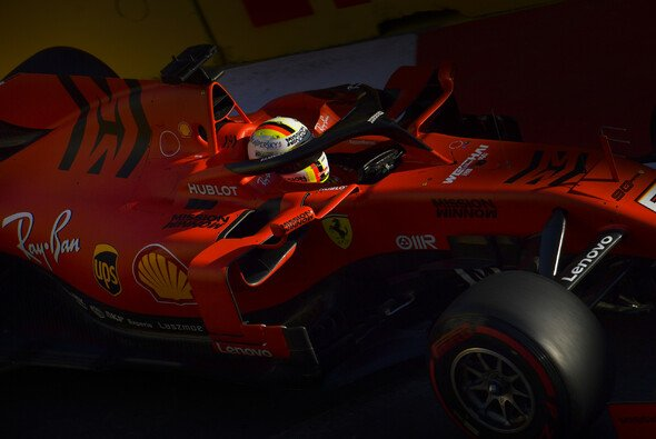 Sebastian Vettel bezweifelt, dass Ferrari in Baku so überlegen ist wie die Trainingszeiten Glauben machen - Foto: LAT Images