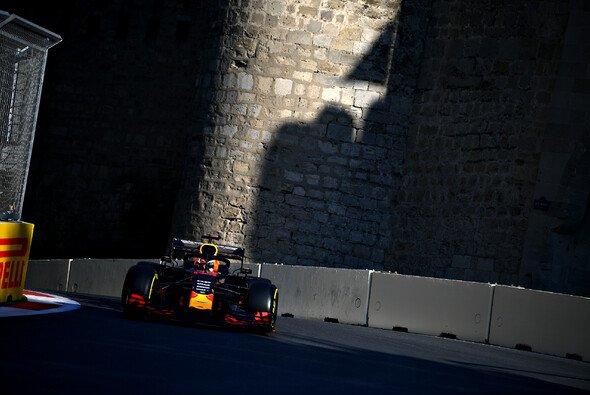 Max Verstappen hätte sich im Qualifying für das Formel-1-Rennen in Baku einen Windschatten gewünscht - Foto: Red Bull