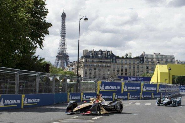 Die Formel E fährt am Samstag rund um den Pariser Invalidendom - Foto: LAT Images