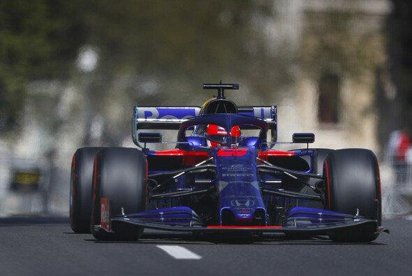 Daniil Kvyat geht am Sonntag von Startplatz sechs ins Formel-1-Rennen auf den Straßen von Baku - Foto: LAT Images