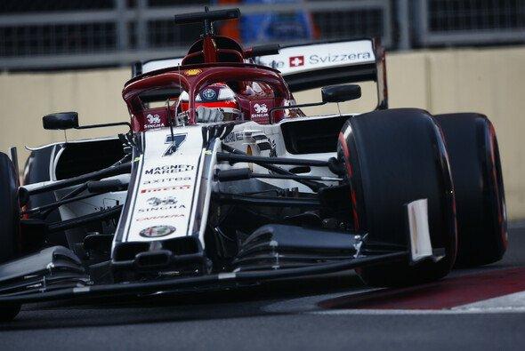 Kimi Räikkönen wurde im Qualifying in Baku Verkehr zum Verhängnis - Foto: LAT Images