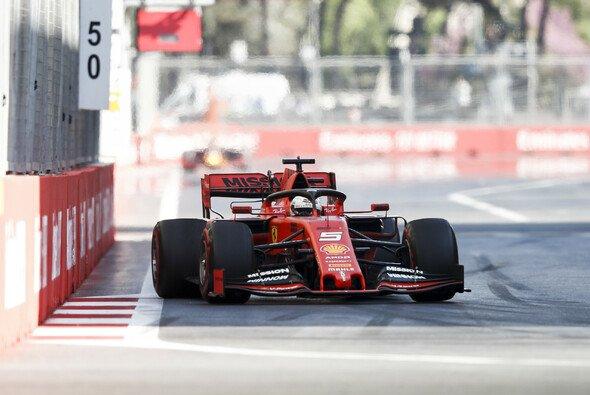 Sebastian Vettel holte sich in Baku WM-Rang drei - war aber chancenlos gegen Mercedes - Foto: LAT Images