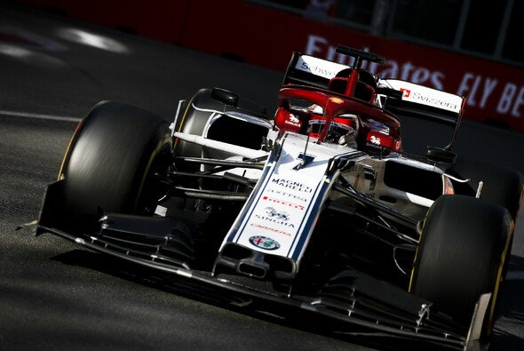 Aus der Box in die Top-10: Kimi Räikkönen lieferte in Aserbaidschan nach Quali-DSQ eine Aufholjagd - Foto: LAT Images