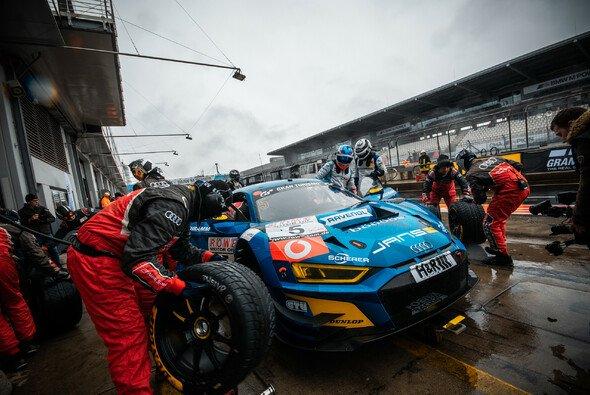 Dunlop ist bereit für den 24-Stunden-Klassiker auf dem Nürburgring - Foto: Felix Maurer
