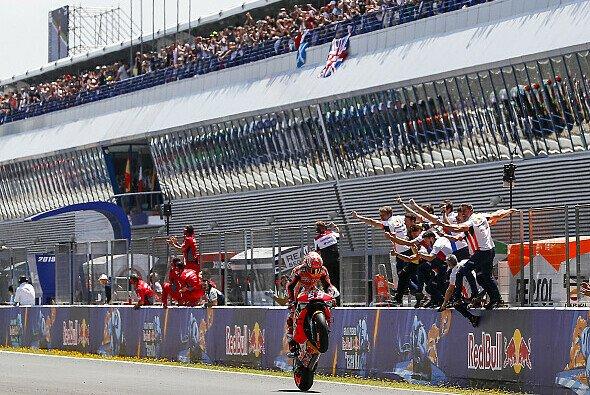Marc Marquez & Co. sollen in Jerez um zwei Rennsiege fighten - Foto: Repsol