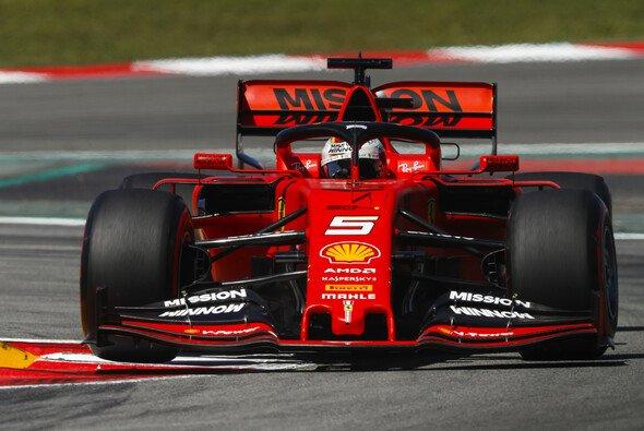 Sebastian Vettel bestreitet vor dem Japan GP noch einen Pirelli-Test - Foto: LAT Images