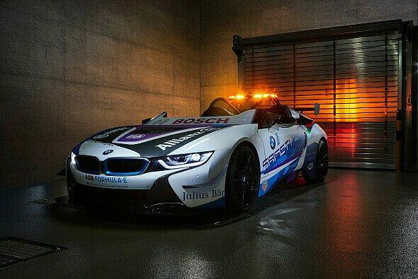 Safety Car als Roadster: Der neue BMW i8 in der Formel E - Foto: BMW Motorsport