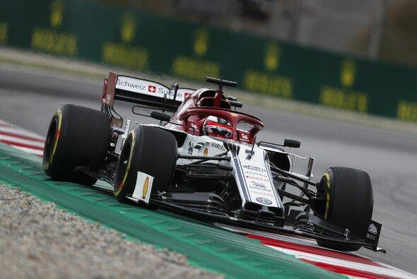 Kimi Räikkönen und Alfa Romeo kamen in Barcelona nicht in Fahrt - Foto: LAT Images