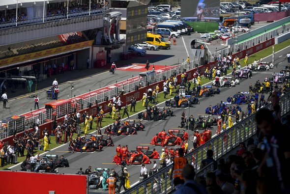 Gridstrafen sind in der Formel 1 umstritten - Foto: LAT Images