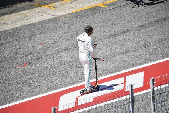 Lewis Hamilton wird schon nach fünf Rennen langweilig: Teaminternes Duell nicht dasselbe - Foto: LAT Images