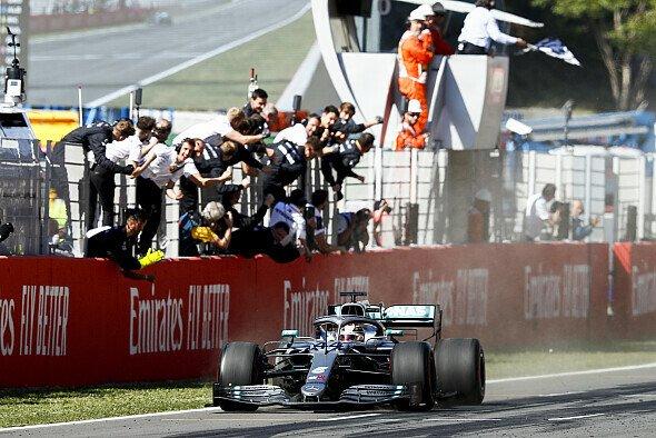 Lewis Hamilton rehabilitierte sich am Sonntag für ein ganz schwaches Qualifying - Foto: LAT Images