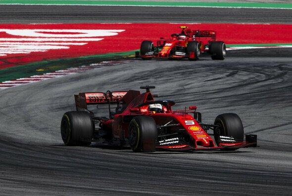 Sebastian Vettel und Charles Leclerc sind beim Young Driver Test im Einsatz - Foto: Ferrari