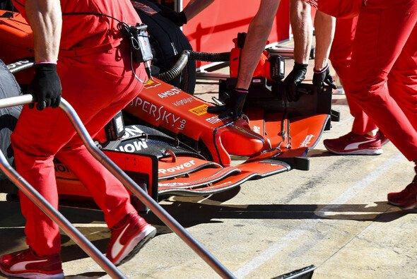 Ist das Frontflügel-Konzept Ferraris großes Problem? - Foto: LAT Images