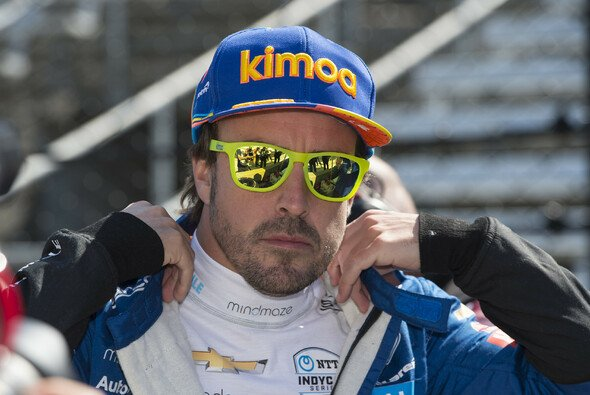 Fernando Alonso will 2020 nach der Rallye Dakar seine offene Rechnung mit dem Indy 500 begleichen - Foto: LAT Images