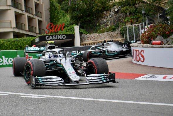 Mercedes fuhr auch im zweiten Training der Formel 1 in Monaco die Bestzeit - Foto: LAT Images