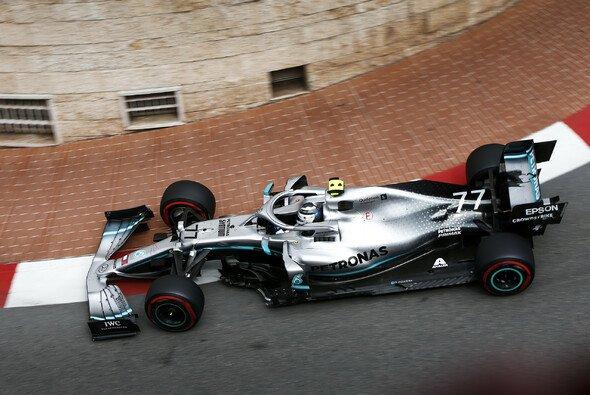 Mercedes legte am Trainingsfreitag der Formel 1 in Monaco ein beeindruckendes Tempo vor - Foto: LAT Images