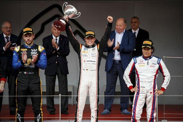 Nyck de Vries gewinnt das Hauptrennen der Formel 2 in Monaco - Foto: LAT Images