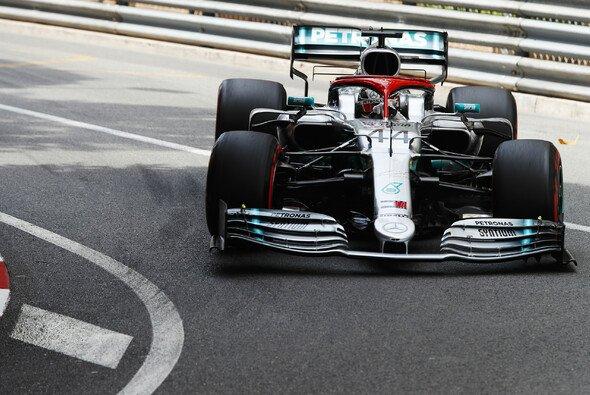 Mercedes-Pilot Lewis Hamilton startet im Formel-1-Rennen von Monaco am Sonntag von der Pole Position - Foto: LAT Images