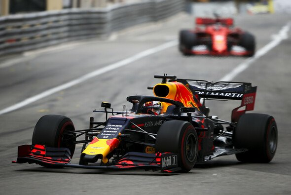 Max Verstappens Red Bull lief in Monaco lange nicht rund - Foto: LAT Images