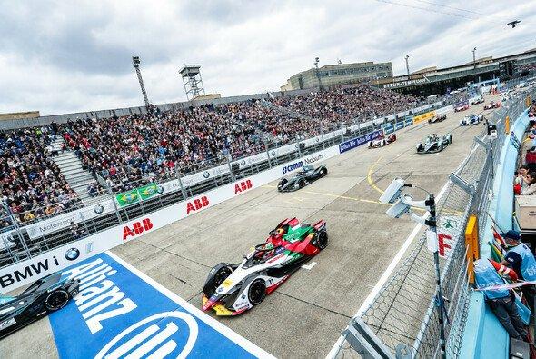 In Berlin wird die Formel-E-Meisterschaft entschieden - allerdings ohne Zuschauer - Foto: LAT Images