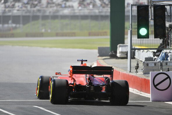 Das grüne Licht für FP1 könnte 2021 in der Formel 1 später kommen - Foto: LAT Images