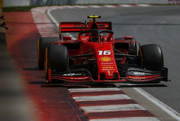Ferrari-Pilot Charles Leclerc beendete den Trainingsfreitag der Formel 1 in Kanada mit der Bestzeit - Foto: LAT Images
