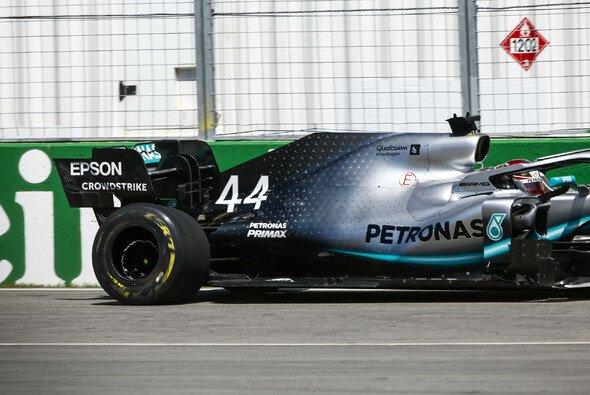 Lewis Hamilton leistete sich beim Formel-1-Training in Montreal einen seltenen Fahrfehler - Foto: LAT Images