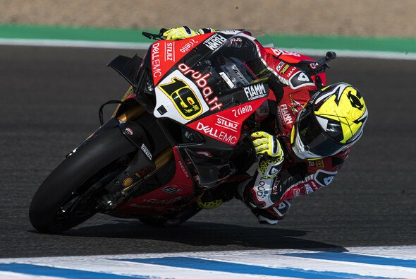 Alvaro Bautista gewinnt auch das Sprintrennen von Jerez - Foto: Ducati