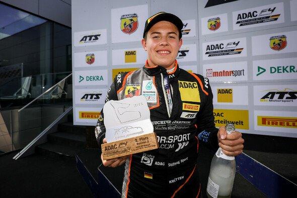 Niklas Krütten ist momentan Vierter in der Gesamtwertung - Foto: ADAC Formel 4