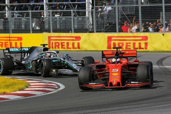 Für Jacques Villeneuve hat Hamilton mit dafür gesorgt, dass Vettel bestraft wurde - Foto: LAT Images