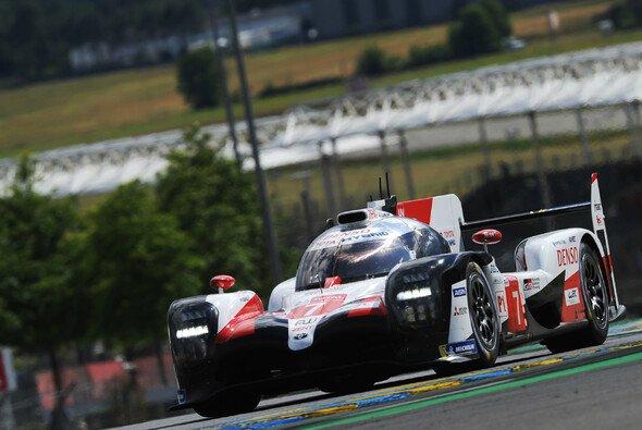 Toyota machte im zweiten Qualifying richtig Druck - Foto: LAT Images