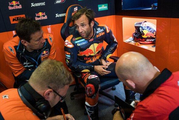Johann Zarco stellte seine KTM an der Box ab - Foto: KTM