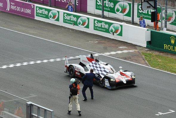 Die 24 Stunden von Le Mans laufen künftig auf DAZN - Foto: LAT Images