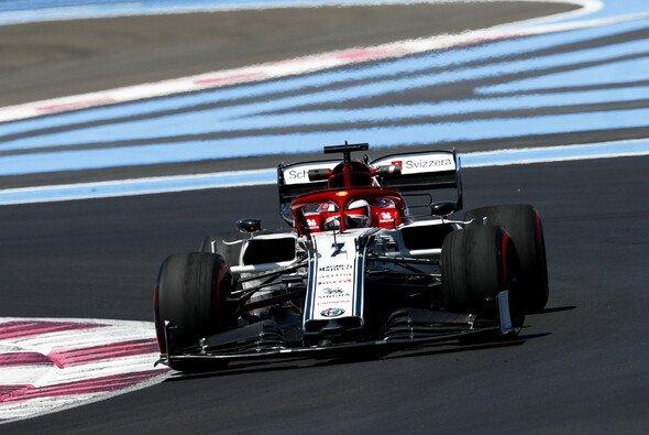 Kimi Räikkönen erlebte in Frankreich ein turbulentes Qualifying - Foto: LAT Images