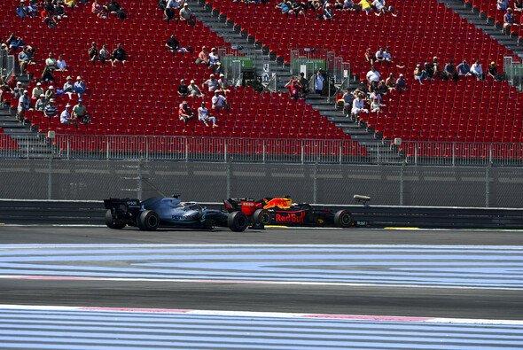 Dr. Helmut Marko hält nichts von einer Untersuchung der Szene zwischen Lewis Hamilton und Max Verstappen - Foto: LAT Images