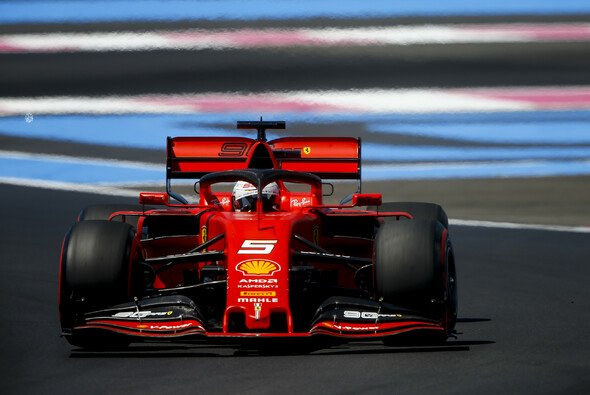 Sebastian Vettel macht sein Problem beim Hochschalten nicht für sein schwaches Qualifying verantwortlich - Foto: LAT Images