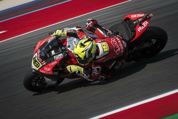 Alvaro Bautista feiert seinen 14. Saisonsieg - Foto: Aruba.it Racing - Ducati