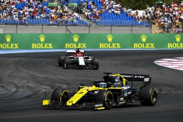 Daniel Ricciardo verliert Punkte nach Strafe - Foto: LAT Images