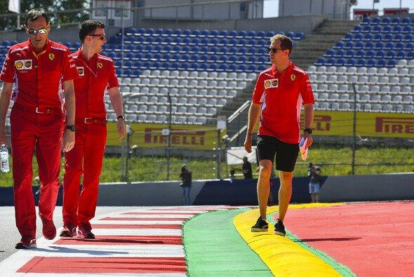 Sebastian Vettel ist vor dem Österreich Grand Prix guter Dinge - Foto: LAT Images