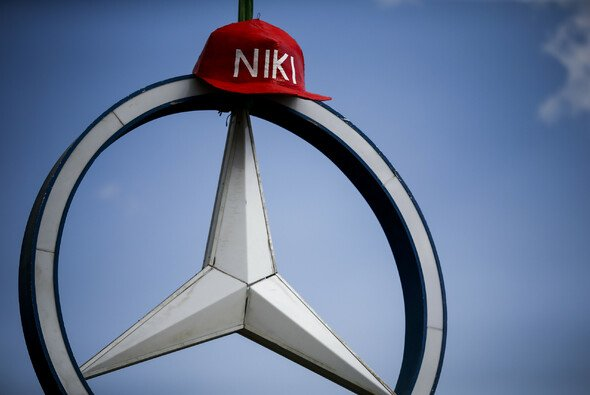 Niki Laudas Anteile am Mercedes-Team fließen zurück an den Konzern - Foto: LAT Images