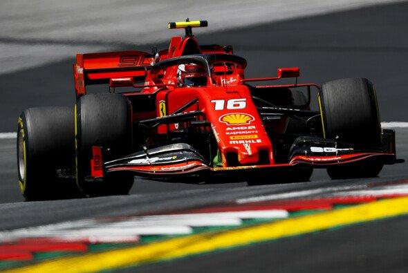 Charles Leclerc fuhr im 2. Freien Training der Formel 1 in Österreich die schnellste Rundenzeit - Foto: LAT Images