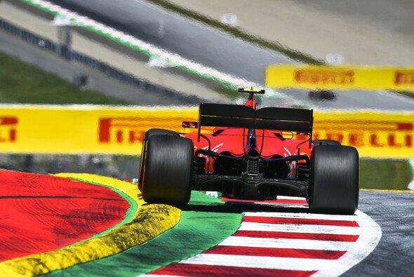 Die Kerbs halten die Formel 1 in Spielberg einmal mehr in Atem - Foto: LAT Images