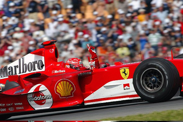 Michael Schumacher gewann im Ferrari F2004 in Hockenheim - Foto: LAT Images