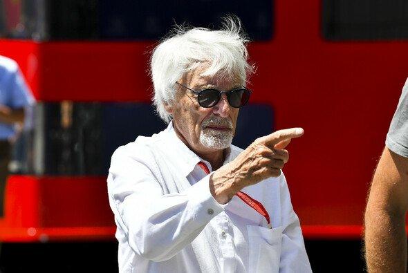Bernie Ecclestone ist nach wie vor an Formel-1-Wochenenden anzutreffen - Foto: LAT Images
