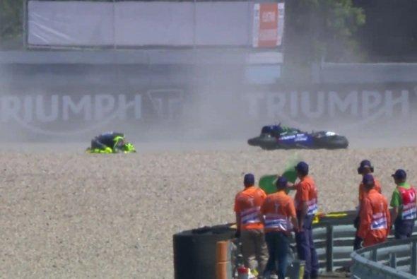 Valentino Rossis Rennen endete auch in Assen im Kies - Foto: Screenshot/MotoGP