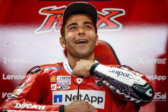 Die praktische Prüfung hat Danilo Petrucci wohl auf Anhieb bestanden - Foto: Ducati